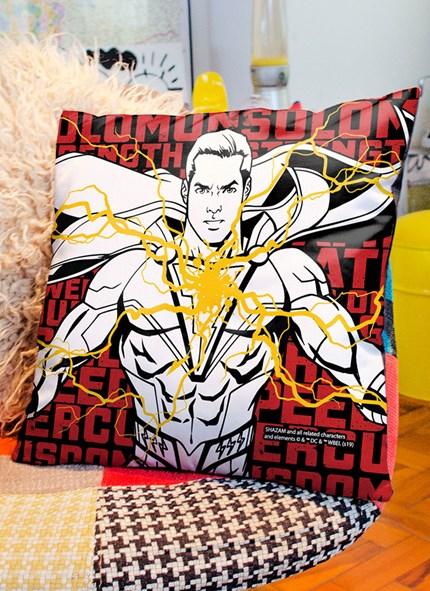 Almofada Shazam Character