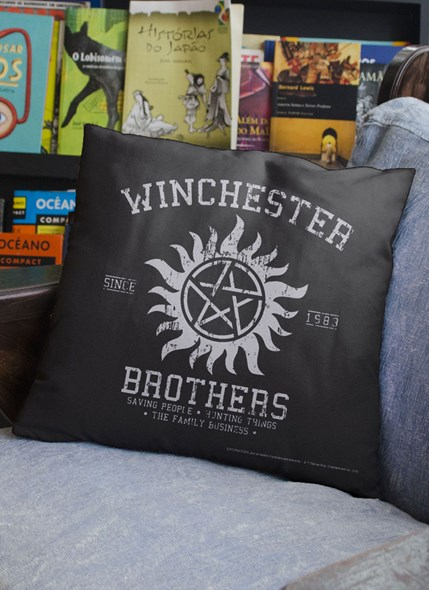 Almofada Supernatural Winchester Brothers
