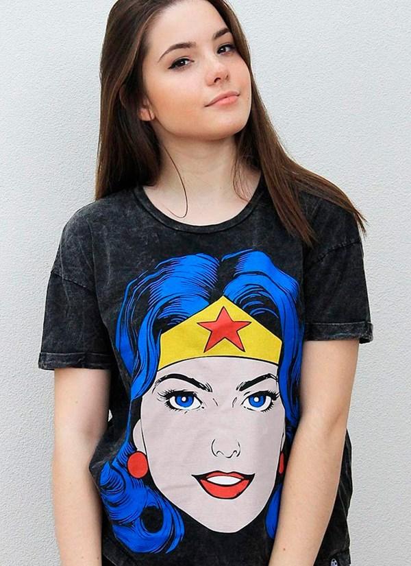 Blusa Wonder Woman Pop Culture