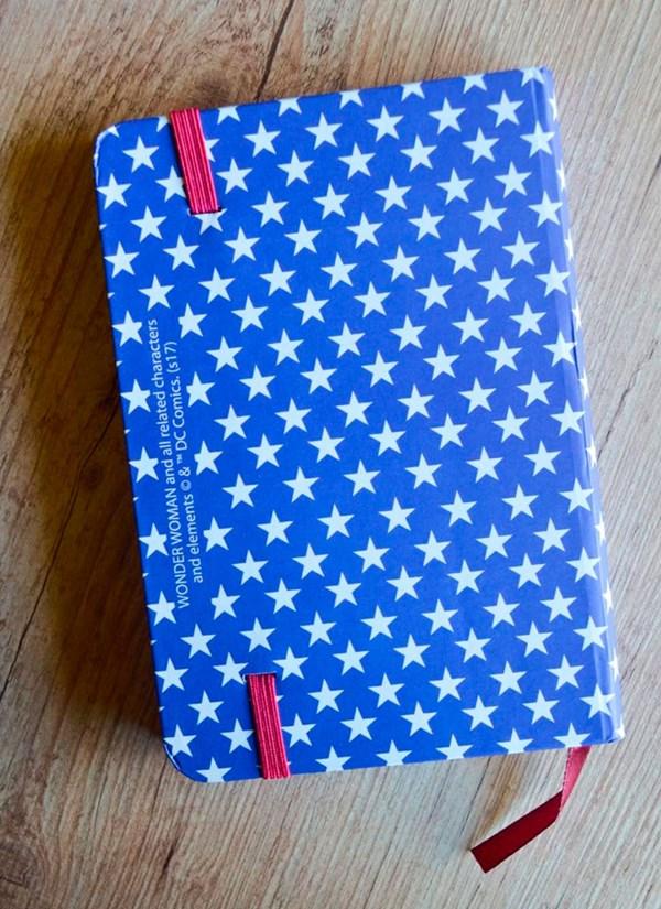 Caderneta de Anotações Mulher Maravilha Logo and Stars