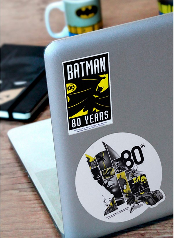 Camiseta Batman 80 Anos As Faces de Batman