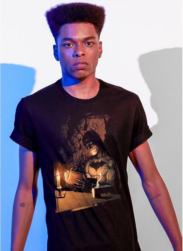 Camiseta Fandome Batman Book
