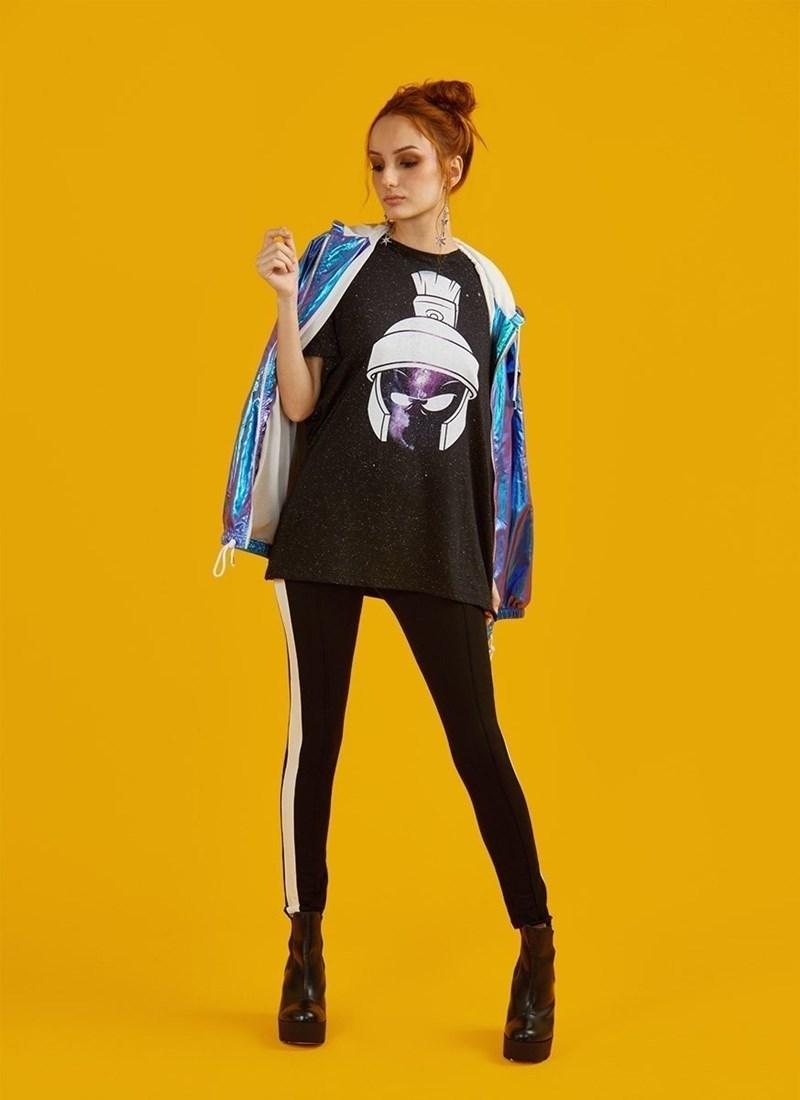 Camiseta Marvin Nebula