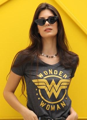 Camiseta Mulher Maravilha Golden Logo