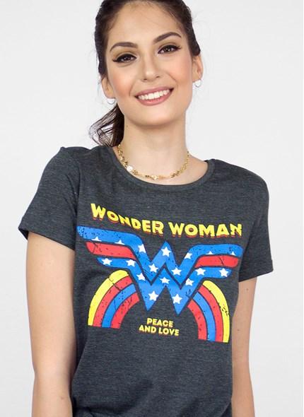 Camiseta Mulher Maravilha Peace and Love