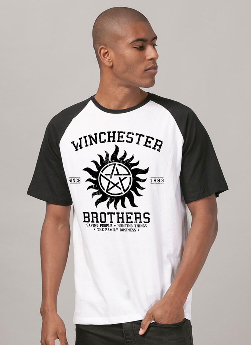 Camiseta Raglan Supernatural Winchester Brothers