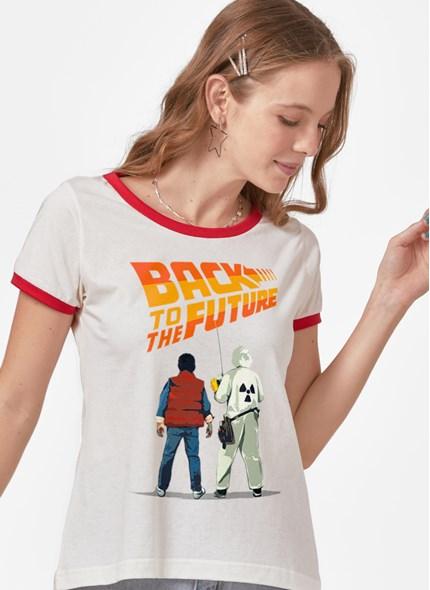 Camiseta Ringer De Volta Para Futuro MacFlly e Doc Brow