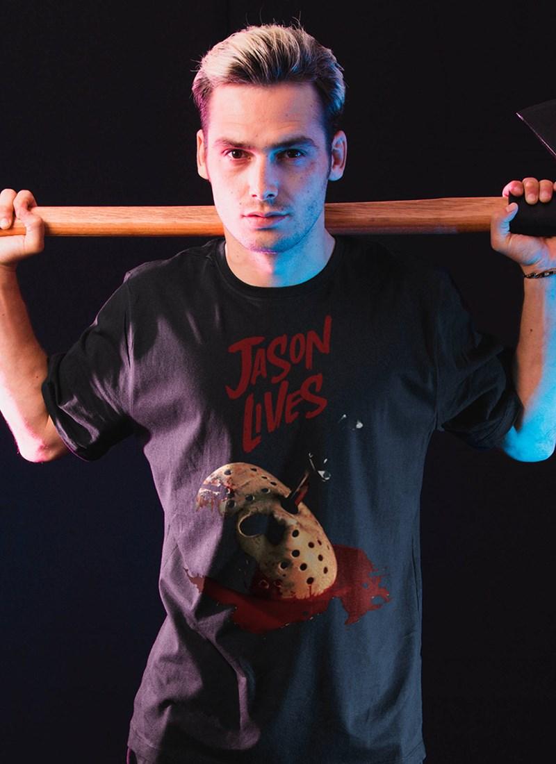 Camiseta Sexta-Feira 13 Jason Vive