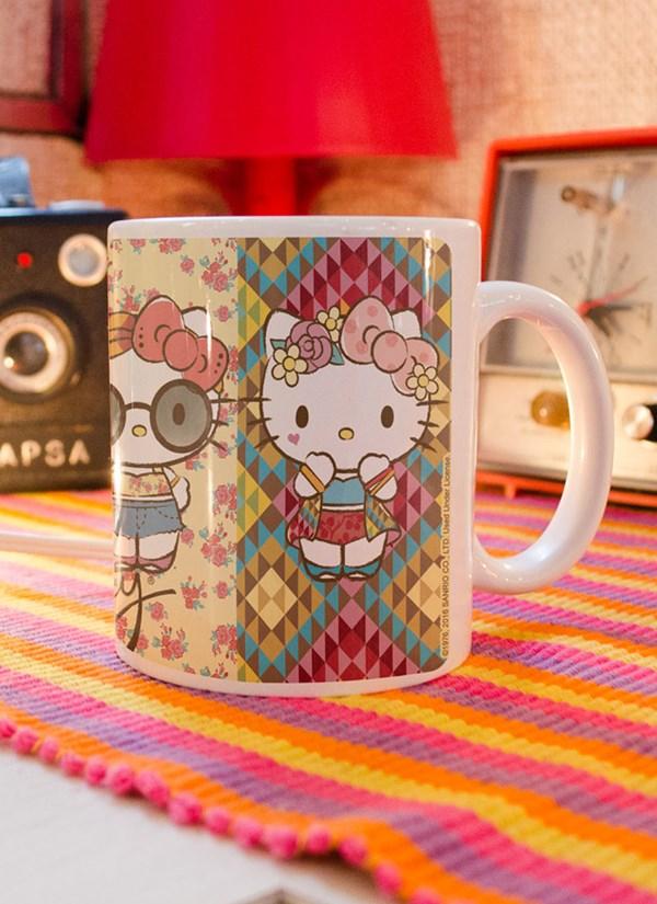 Caneca Hello Kitty Festival Looks