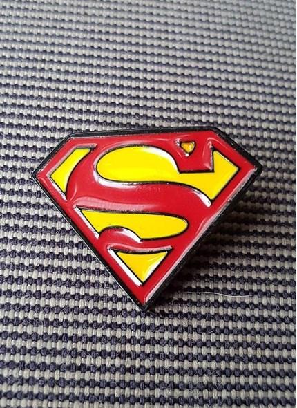 Pin de Metal Superman Logo