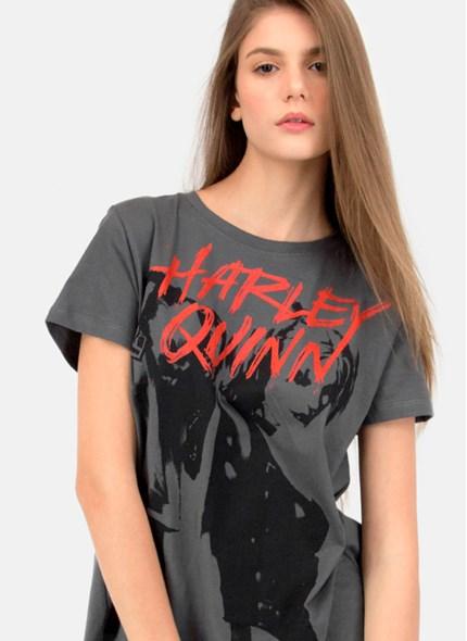 T-Shirt com Fenda Harley Quinn